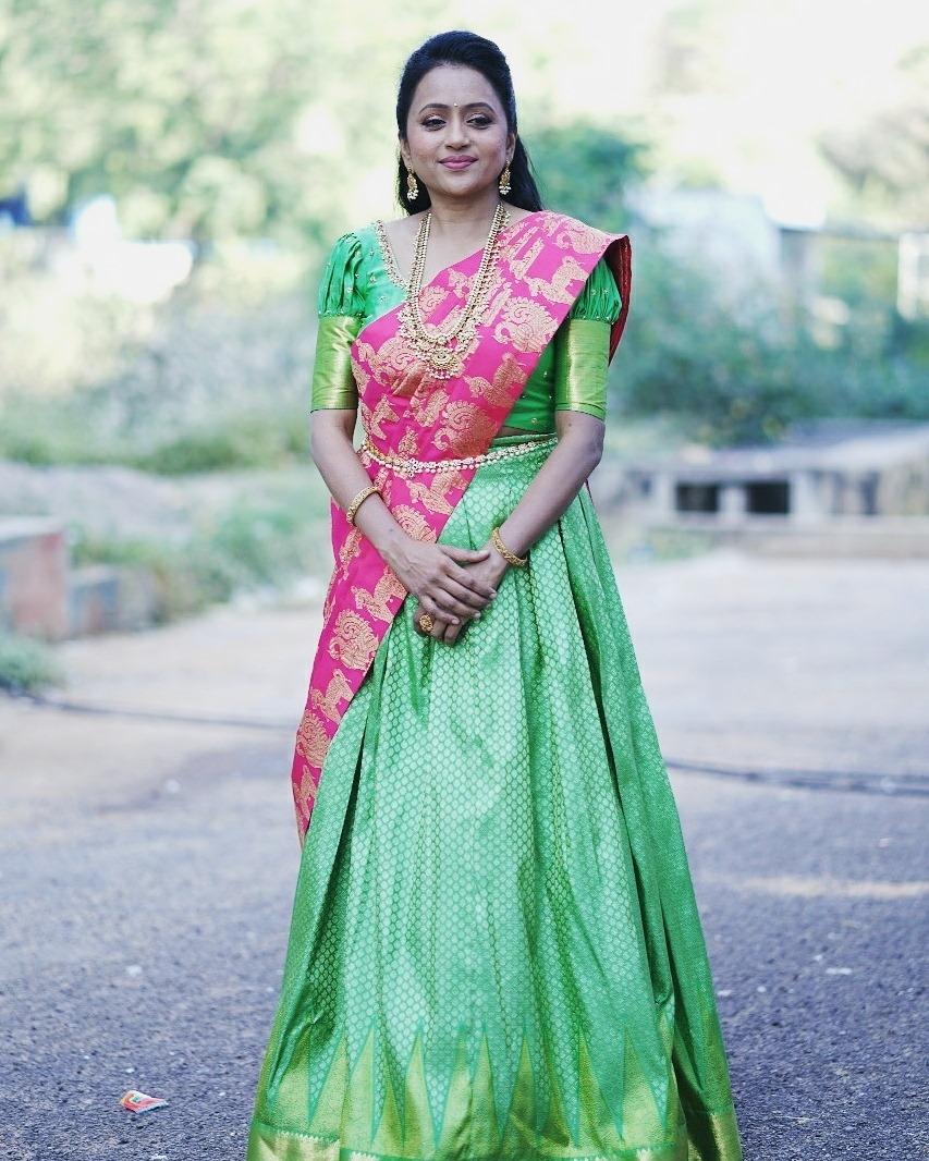 Beautiful actress Suma Kanakala in traditional pattu langa voni. 2021-06-04
