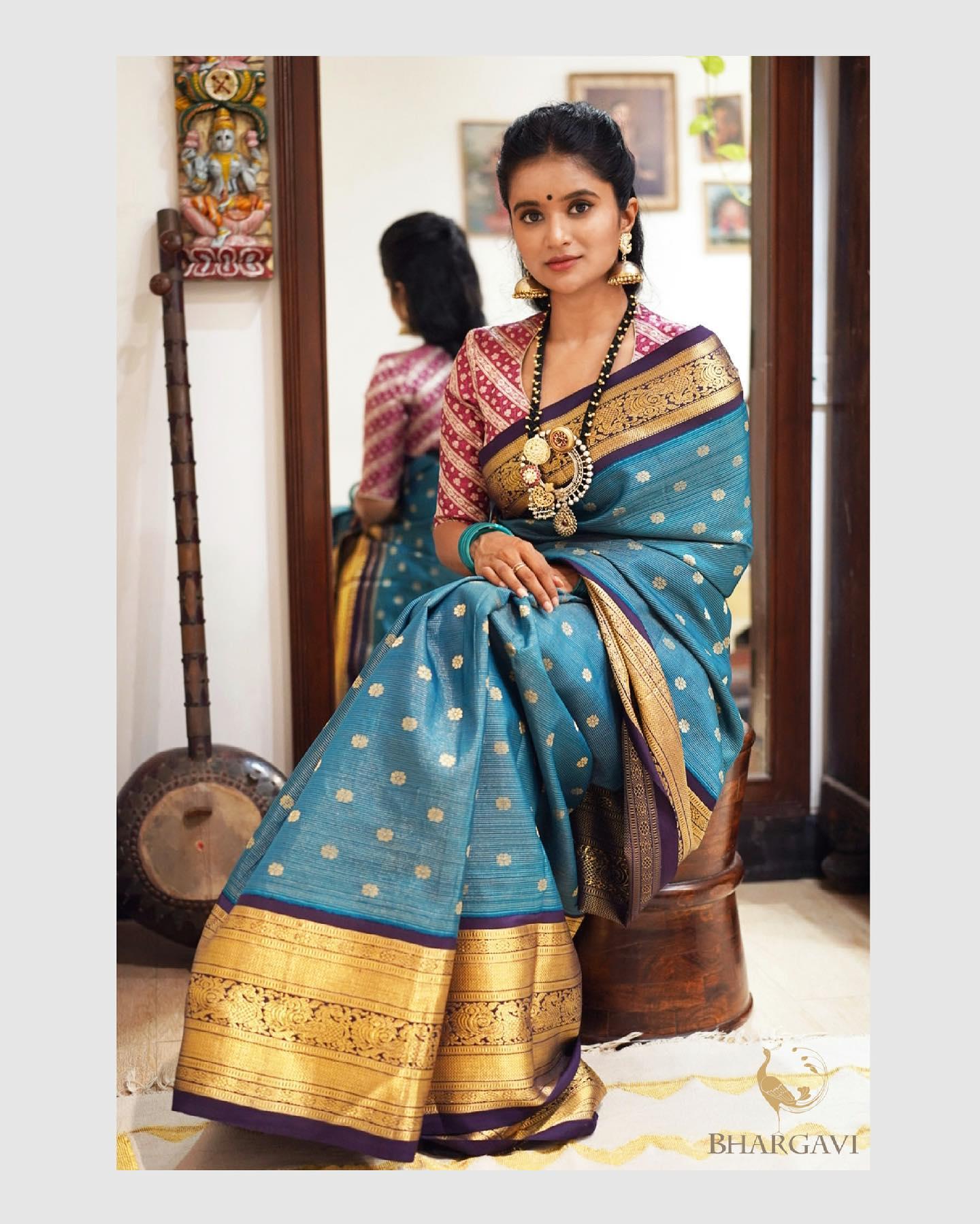 Beautiful peacock blue color kanchi pattu saree. 2021-06-05
