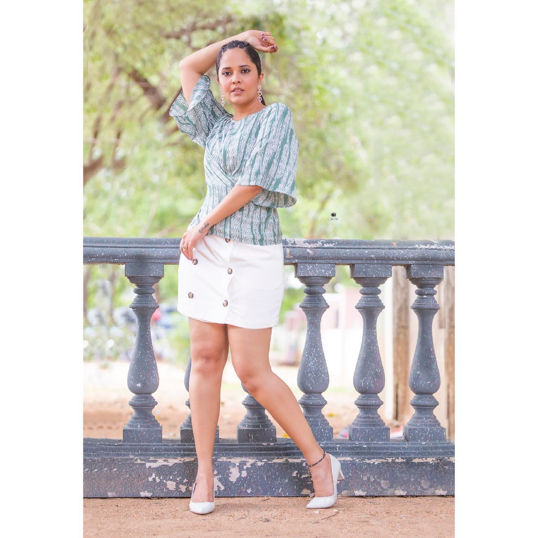 Beautiful actress Anasuya Bardwaj in mini skirt and top.  2021-06-11