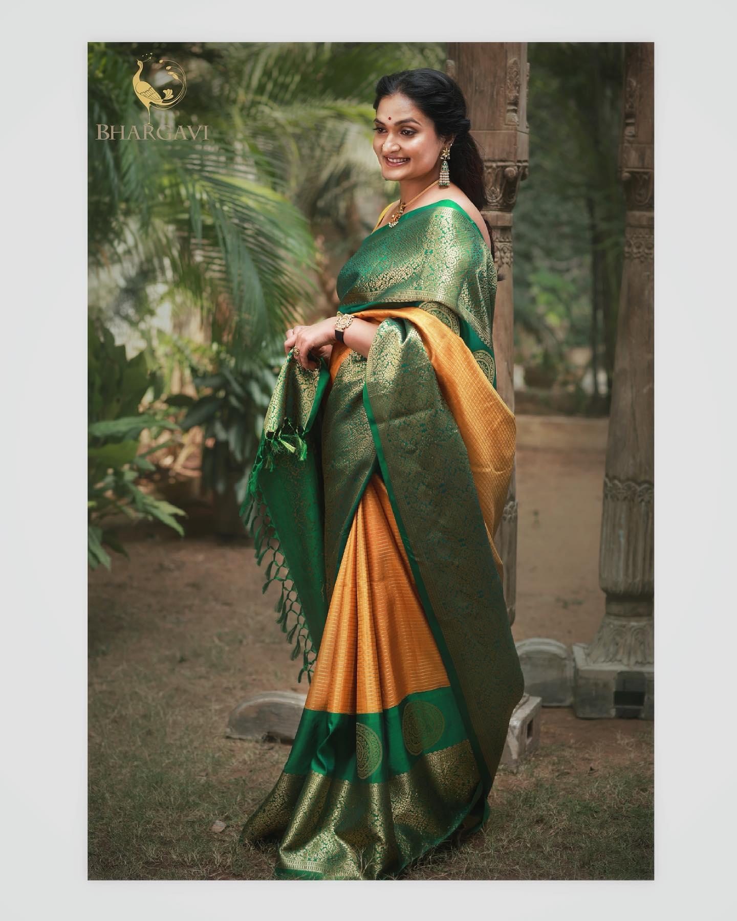 Traditional haldi yellow and green color combination kanchi pattu saree. 2021-06-12