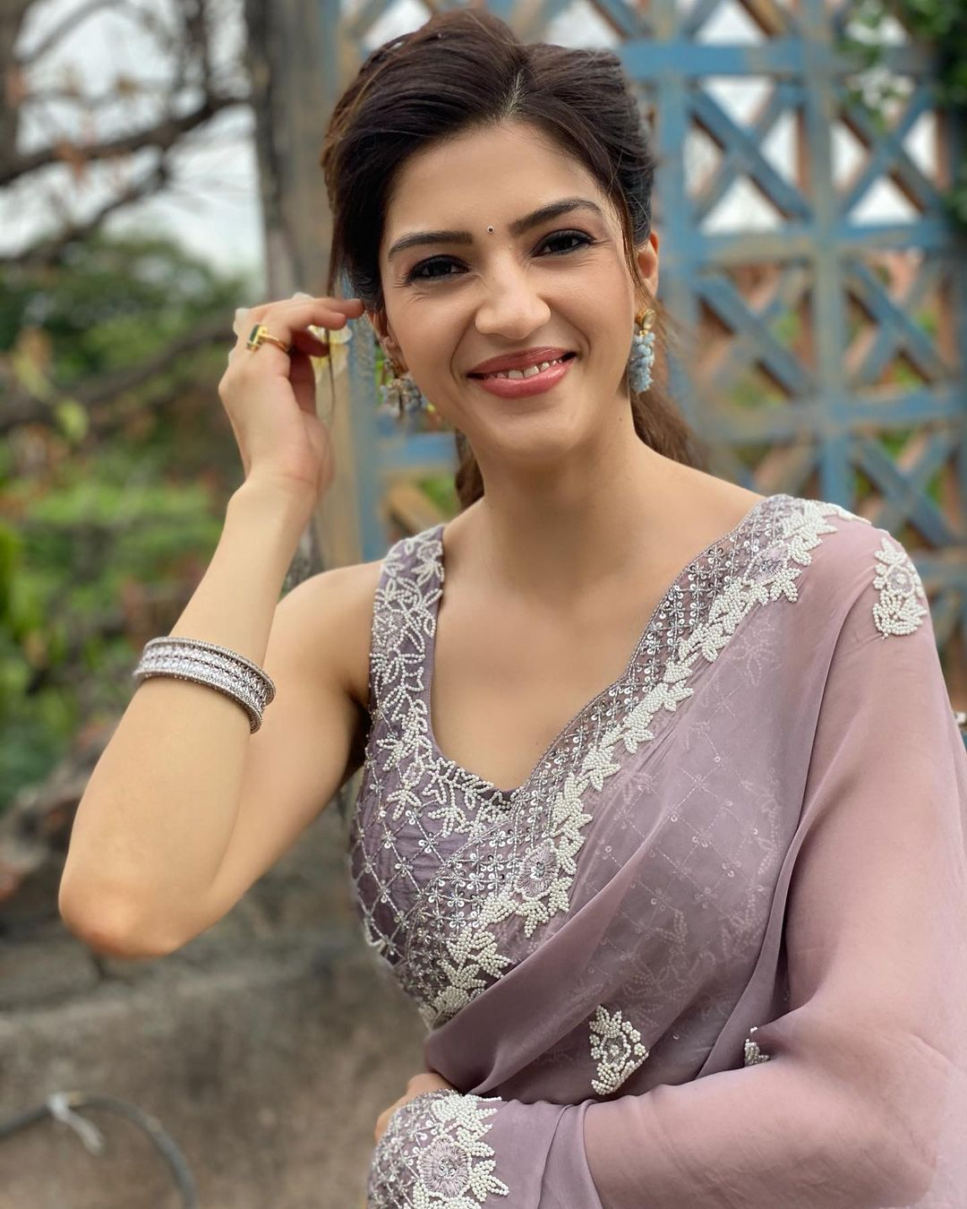 When you can't find the sunshine. Be the sunshine. Beautiful actress Mehreen in designer saree. 2021-06-13