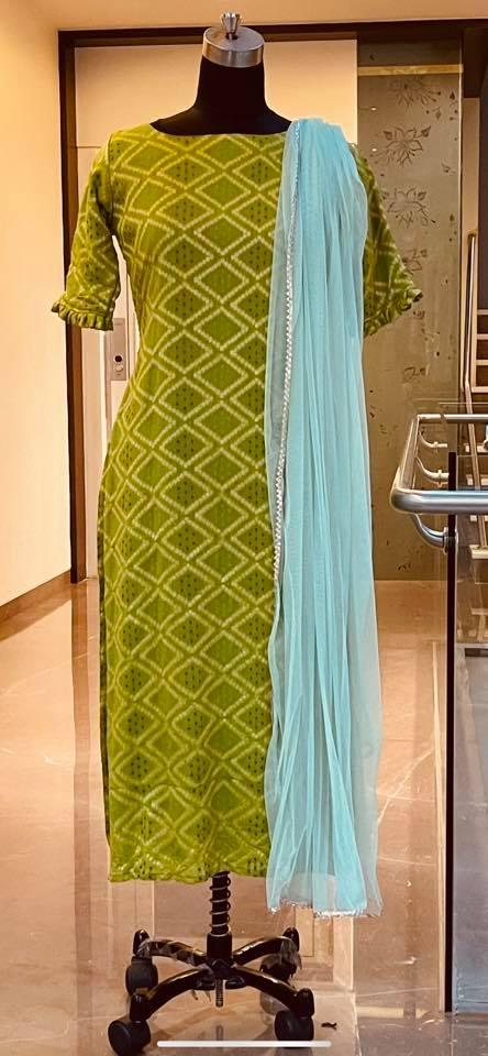 Ready to ship Price : 5200 INR Fabric : Bandhini georgette  kurti. To order WhatsApp 7013728388  2021-06-16