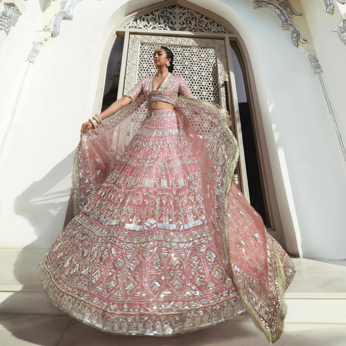 Manish Malhotra bridal lehenga !!! Unfolding perfection and joyful #Nooraniyat emotions in the swirling old rose paradise  Voluminous Lehenga and the signature Noor Bodice embellished in gleaming sequins and metallic fringes is a marvelous culmination of months of diligent artistry. 2021-06-17