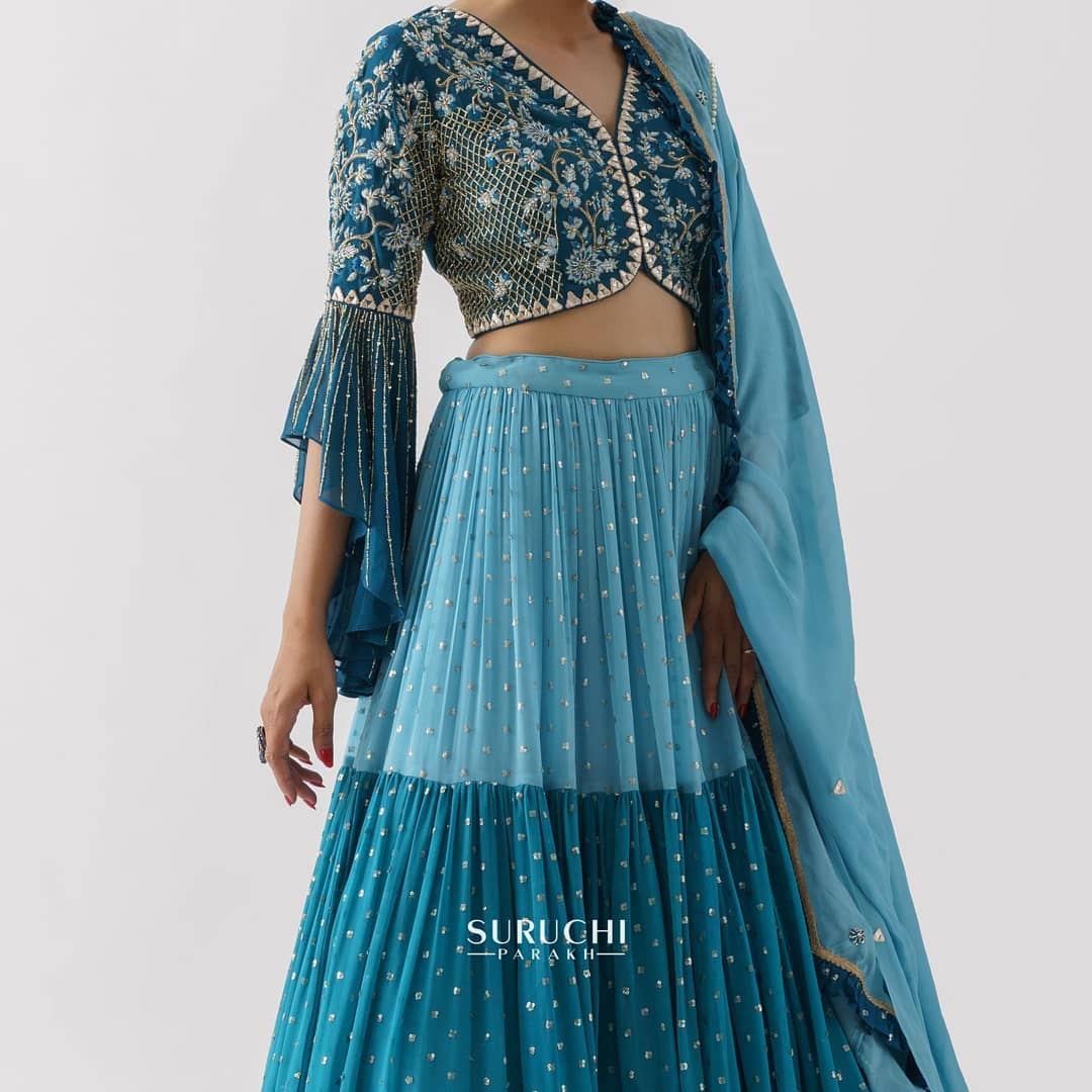 With all these beautiful colors in the world are you confused about what color you want to get your dream lehenga made for the coming weddings of 2021? Well why not mix it up! Here's a blend of blue hues to take away your wedding function blues. 2021-06-17