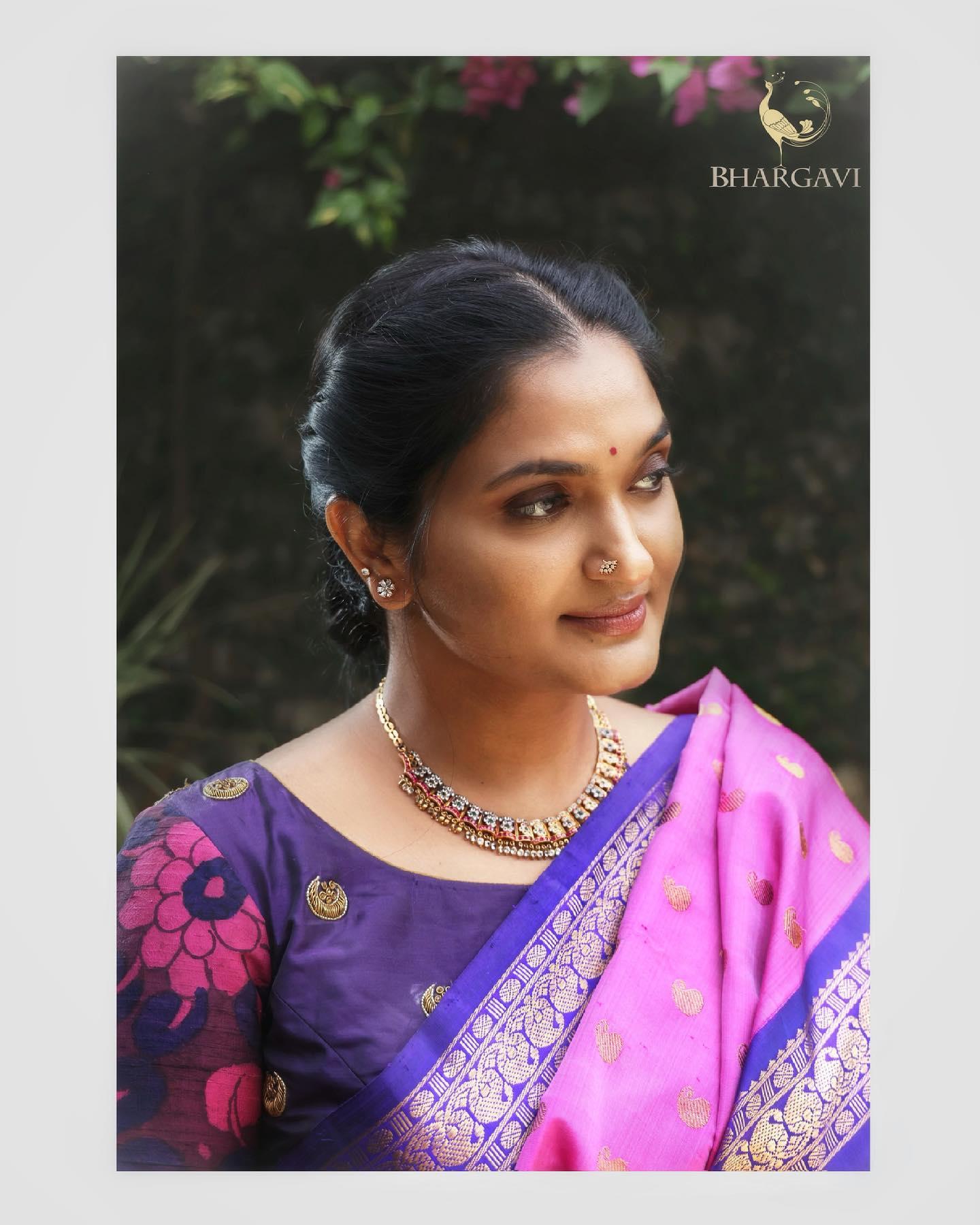 Beautiful pink and blue color combination kanchi pattu saree. 2021-06-20