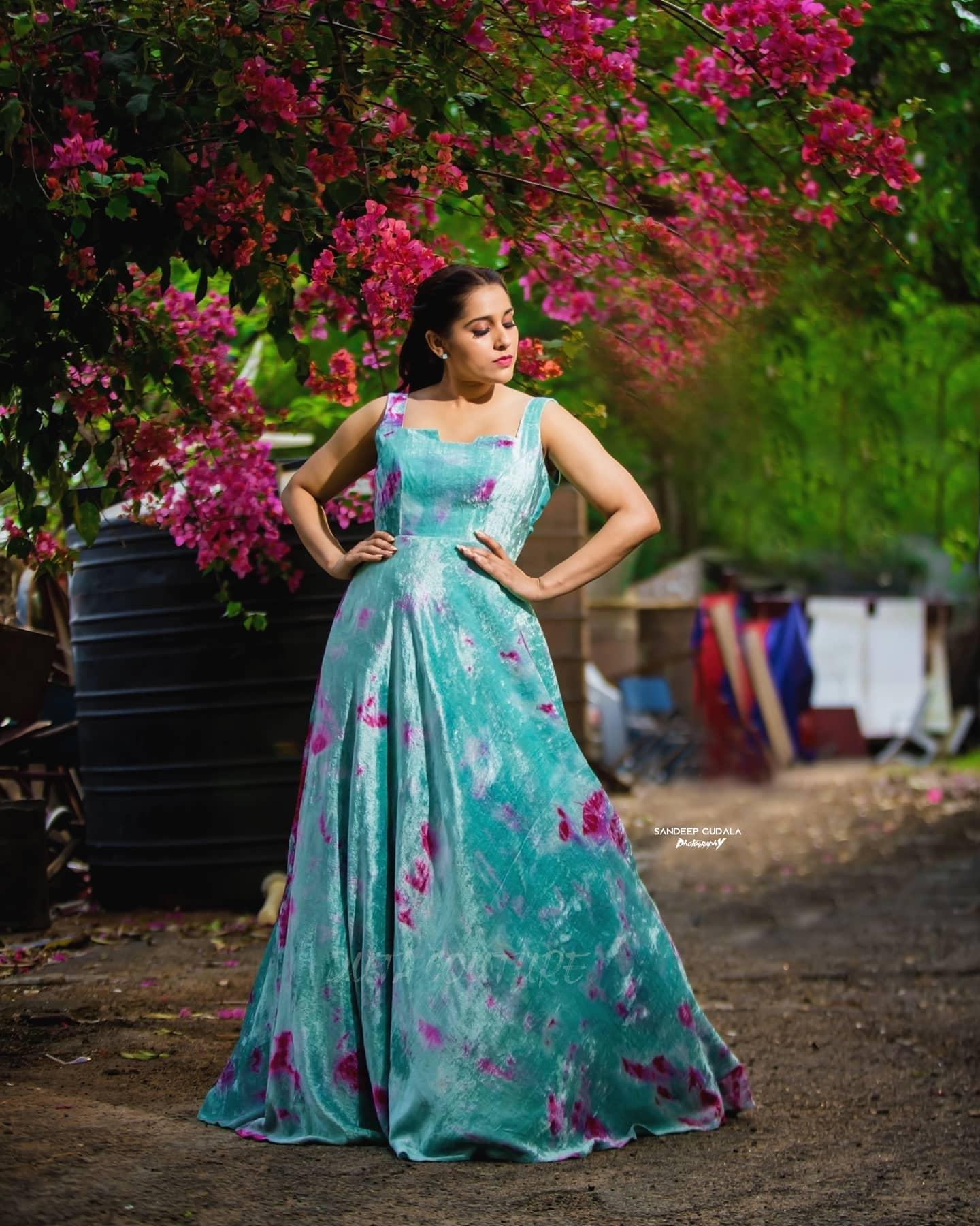 Beautiful actress Rashmi Gautham in floor length dress. 2021-06-20