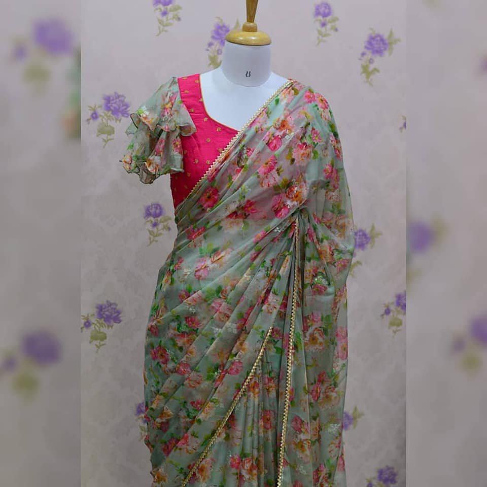 Light weight organza saree paired up with beautiful double layer bell sleeves blouse.  Note : saree weight is just 100grams Blouse size can be customized.  Price : 4100+₹ Only 2 pieces left 2021-06-20
