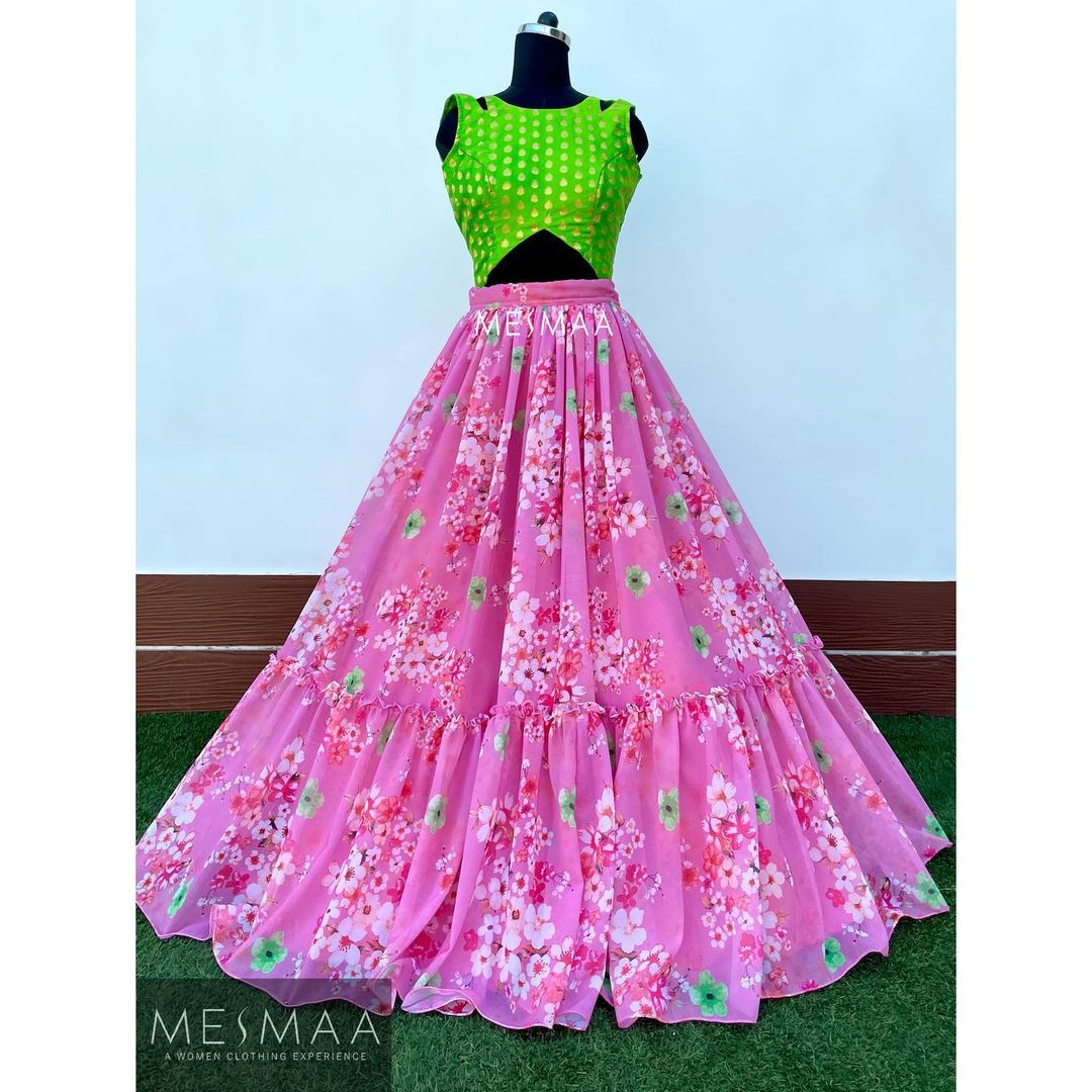 Some floral lehengas..! Stunning pink color floral lehenga and green crop top. 2021-06-20