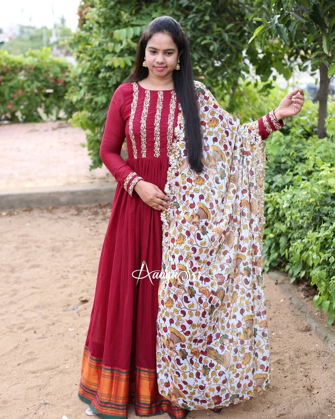 Hand worked Handlooms... Maroon Kalamkari RS. 4950/- Maroon handloom long frock with an intricate handwork detailing on the yoke paired with a beautiful organza printed kalamkari cutwork dupatta . Truly a must have in your wardrobe !! 2021-06-20
