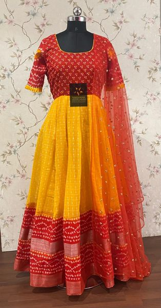 Beautiful Lenin jute frocks in checks and bandhini pattern paired with beautiful sequence floral buti net dupatta  Available sizes :34 -42. 2021-06-21