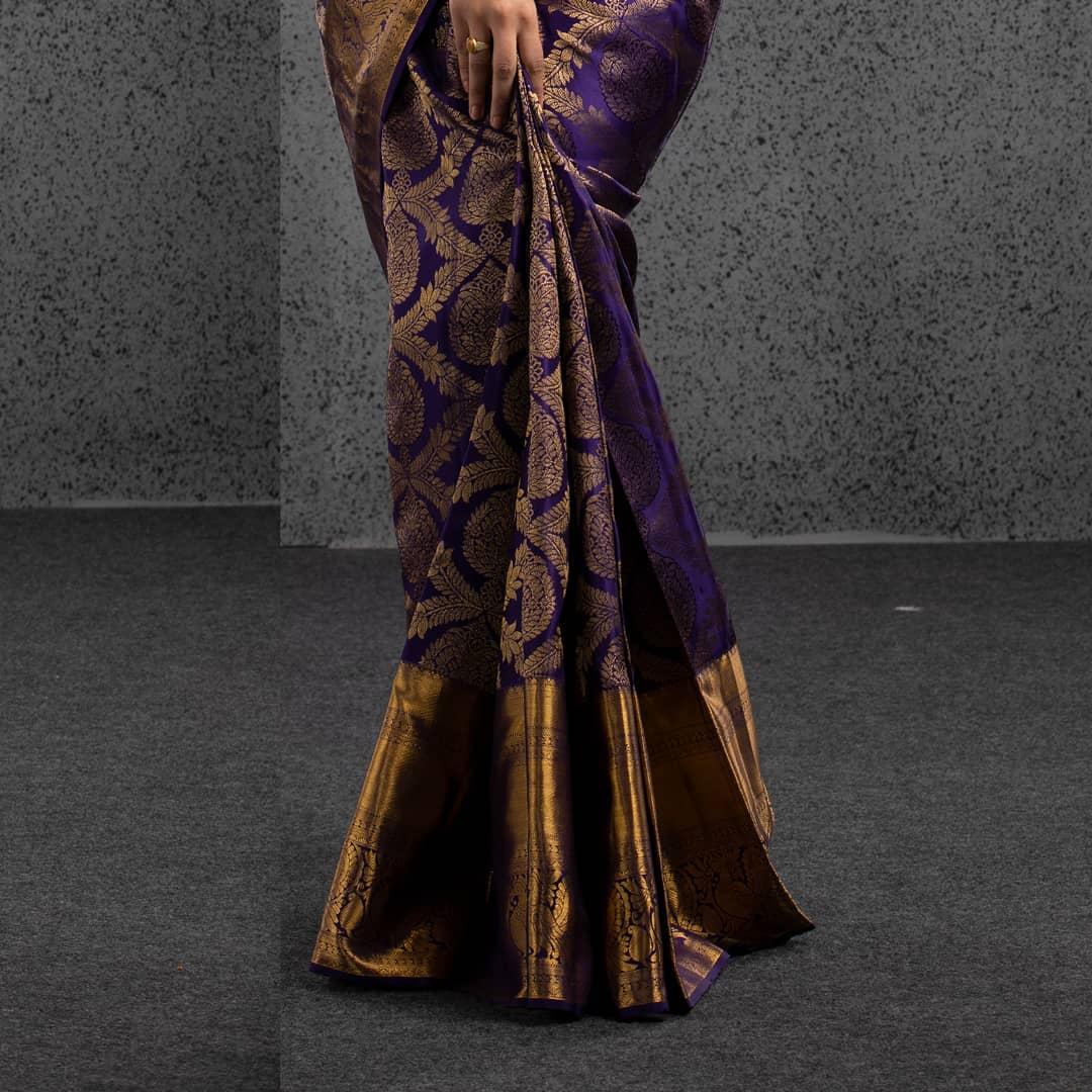 Beautiful Kanjeevaram silk saree adorned by gorgeous Deepthi Sunaina. 2021-06-23