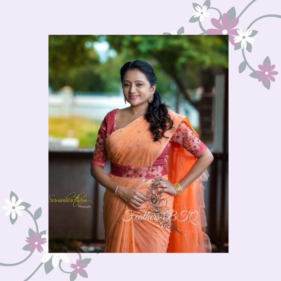 Beautiful actress Suma Kanakala in ruffle saree. 2021-06-24