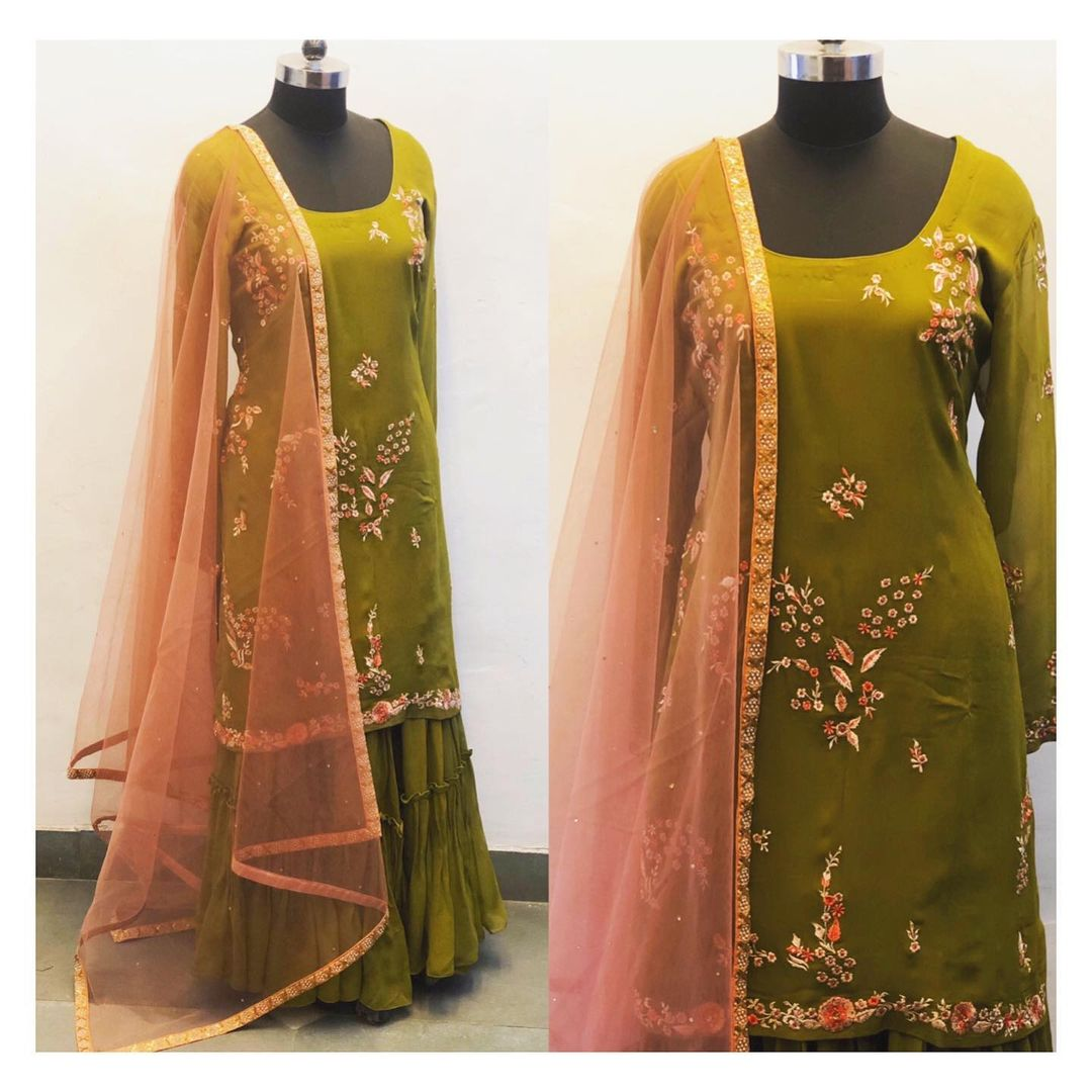 Floral embroidered kurta with tiered sharara. Can be customised in any color or size. 2021-06-25