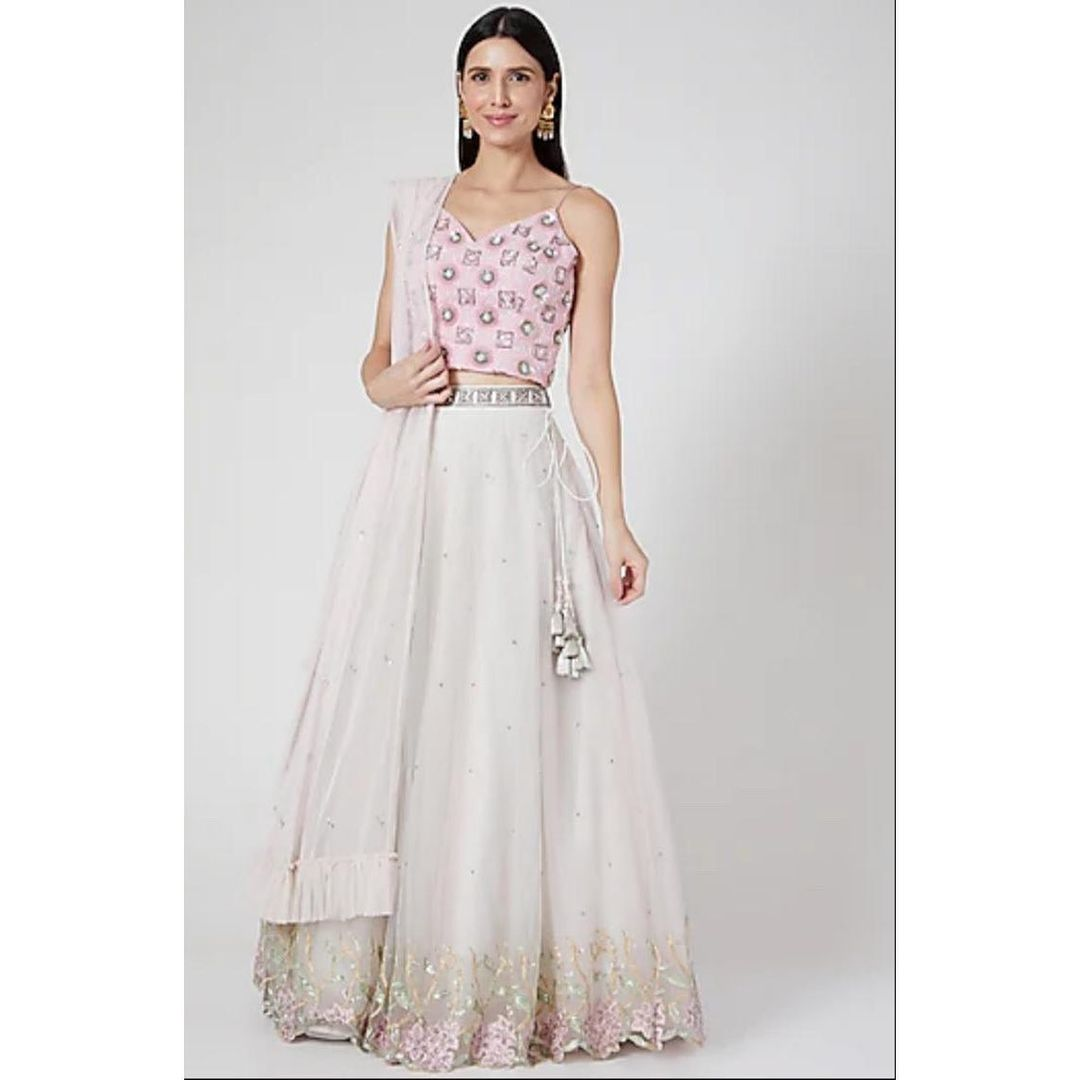 An ethereal exquisite couture mesmerised with the details of the gorgeous pastel hues in sophisticated styles intricate patterns in flary silhouettes blending perfectly with flowy net fabrics with luxury contemporary cuts and pastel embroidered floral motifs. A perfect contemporary collective for a wedding events. 2021-07-06