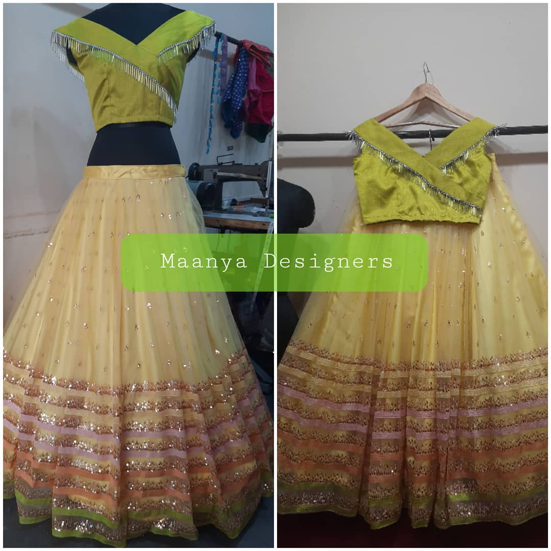 Customized mom and daughter crop top combo 2 different tints colours  For price details contact/watsapp on +917799503713 2021-07-10