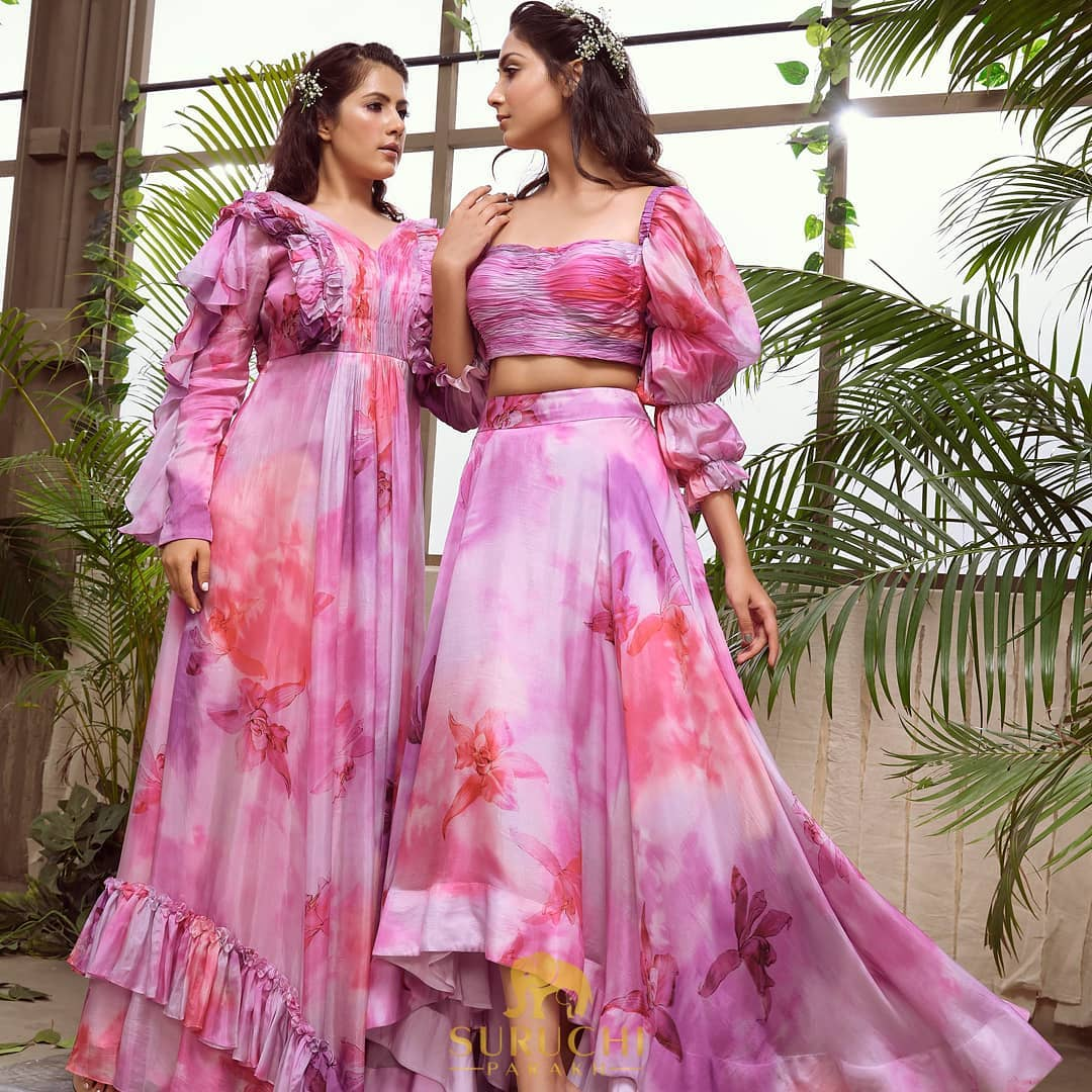 Besides stealing dresses wearing matching dresses is what sisters prefer more! Get your matching dresses customized as per your personal style with us! 2021-07-12