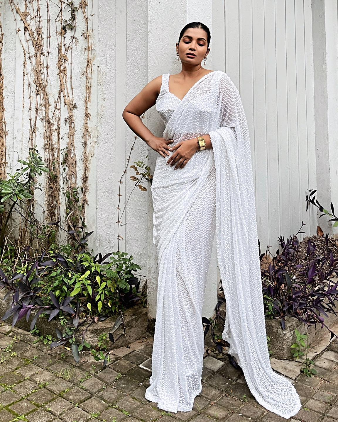 Oh-Em-Gee!!!! ISABELLA is the sari of our dreams this season!!!!!!!!  Full white sequin sari that drapes like a dream and flows beautifully is here!  2021-07-14