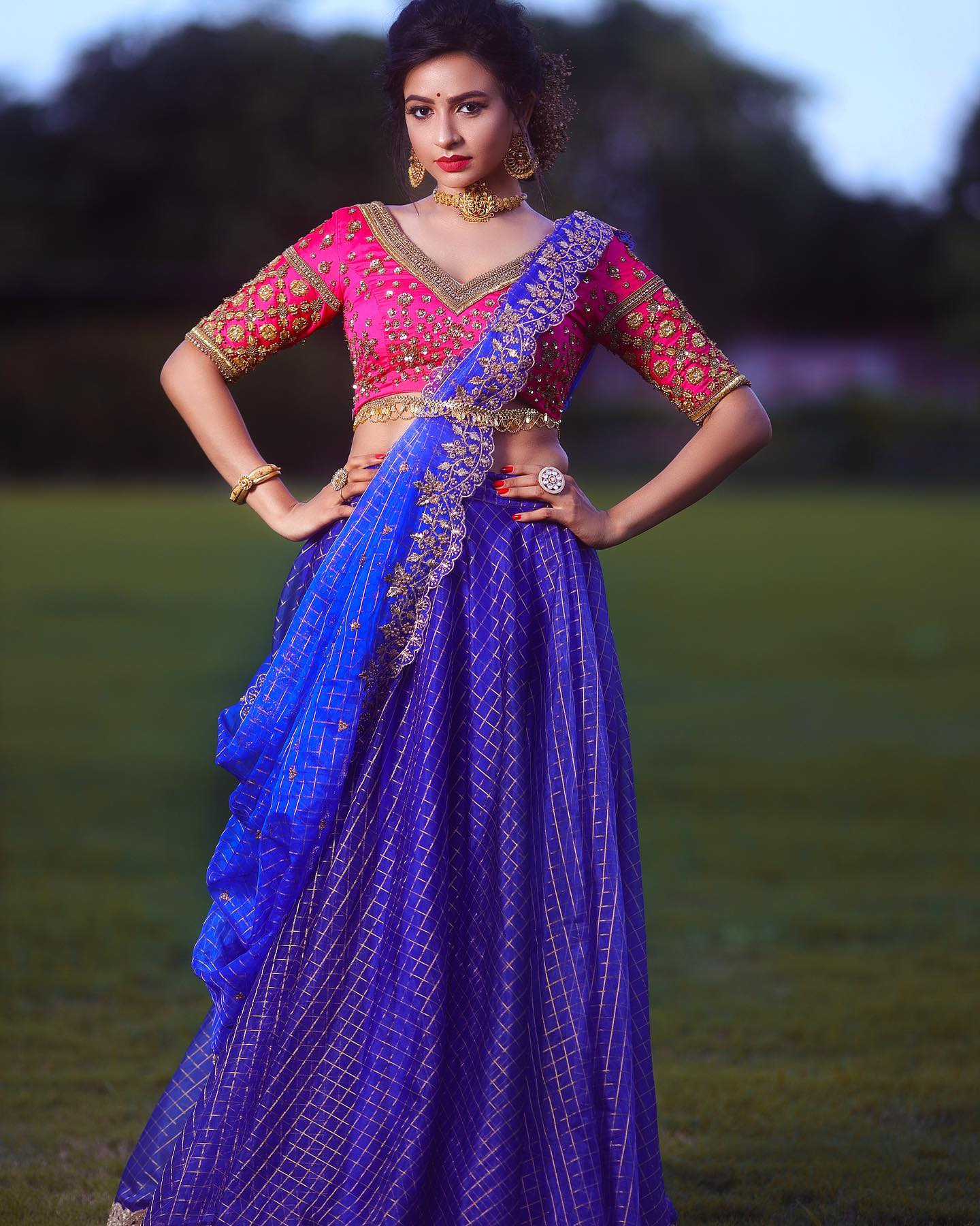 Greet your special day with uber confidence!! This elegant lehenga from Yoshnas By Ela with its zari/zardosi detailing radiates richness and opulence just like the way you always do!!! Reach  on +91 7550227897 . 2021-07-18