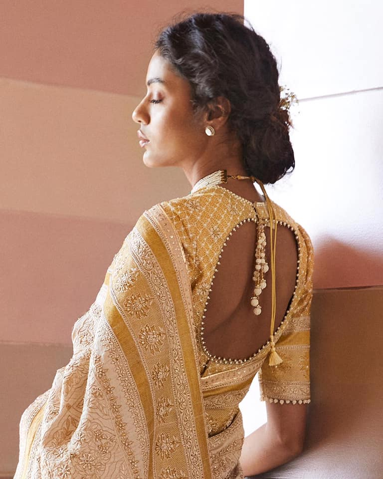 Chikankari and lightness. Seen here on Palak is  handloom sari embroidered with delicate Chikan work further lifted with with resham and zardozi. 2021-07-20