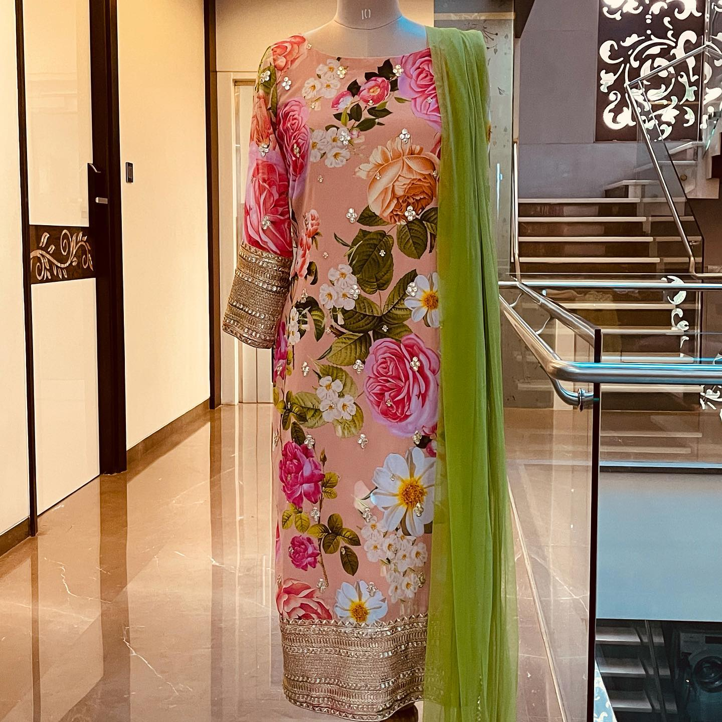 Beautiful blush pink color floral Georgette kurti with green dupatta. Price : 5000 INR. To order WhatsApp 7013728388. 2021-07-21