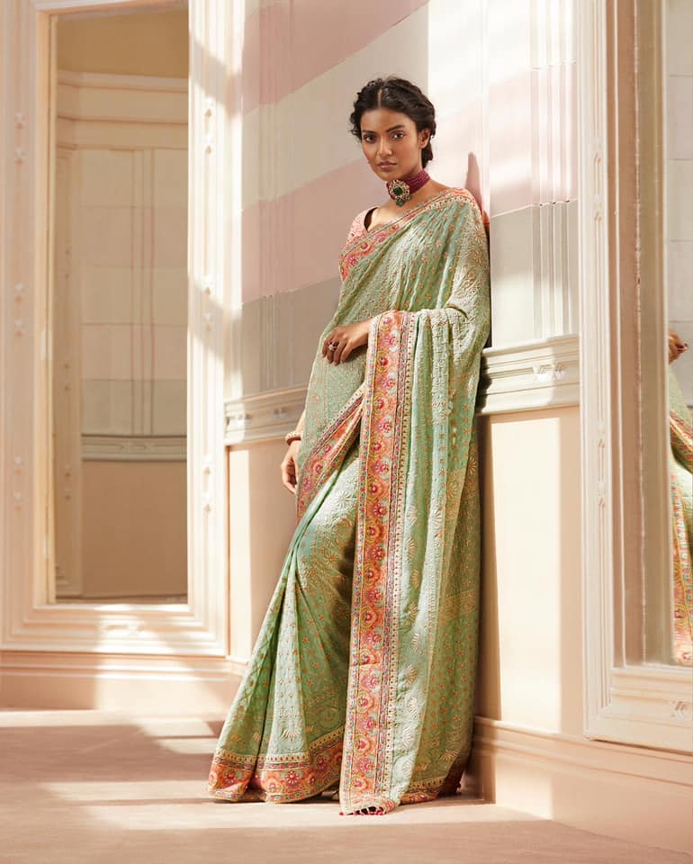 Palak is seen here in pastel chikankari saree in silk georgette highlighted with signature kasheeda work on the borders and on the blouse. 2021-07-23