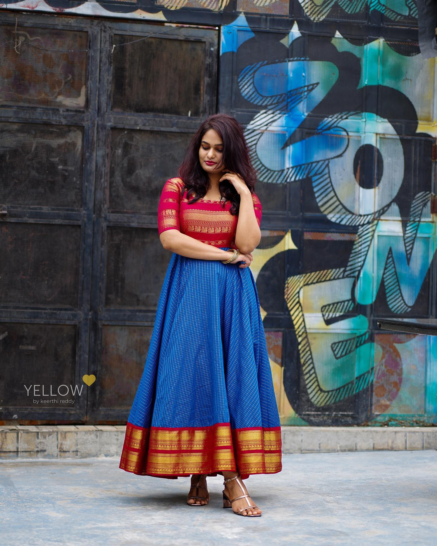 A modern touch to Indian tradition. Celebrate your upcoming festivals with this Bright and beautiful silk cotton checks dress with zari borders and yoke. 2021-07-23