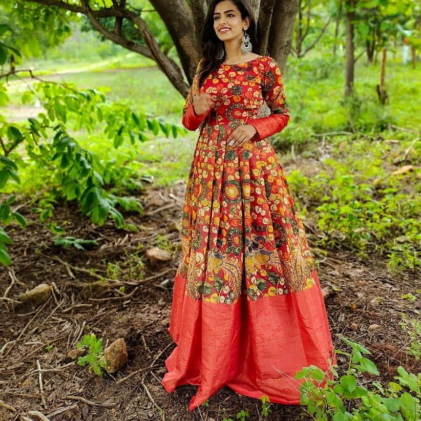 Presenting Customised Maheshwari Kalamkari silk Designer Long Gowns.. HV:9963D For price details contact/watsapp on +917799503713 Unique Piece with All over Kalamkari designer .. Designer Yoke and full hands.. Full Flair with Inner Lining.. S M L Sizes Avl 2021-07-24