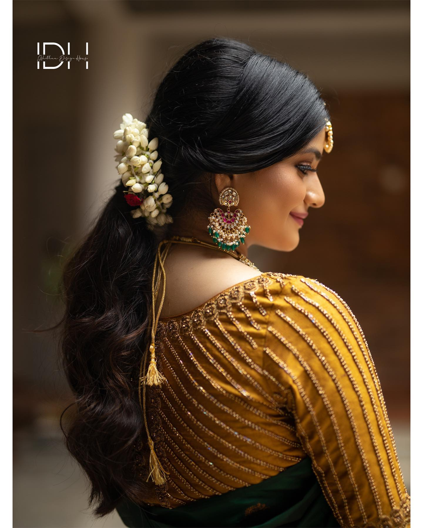 Stunning gold shade designer blouse with geometric line hand embroidery bead and stone aari work.  2021-07-30