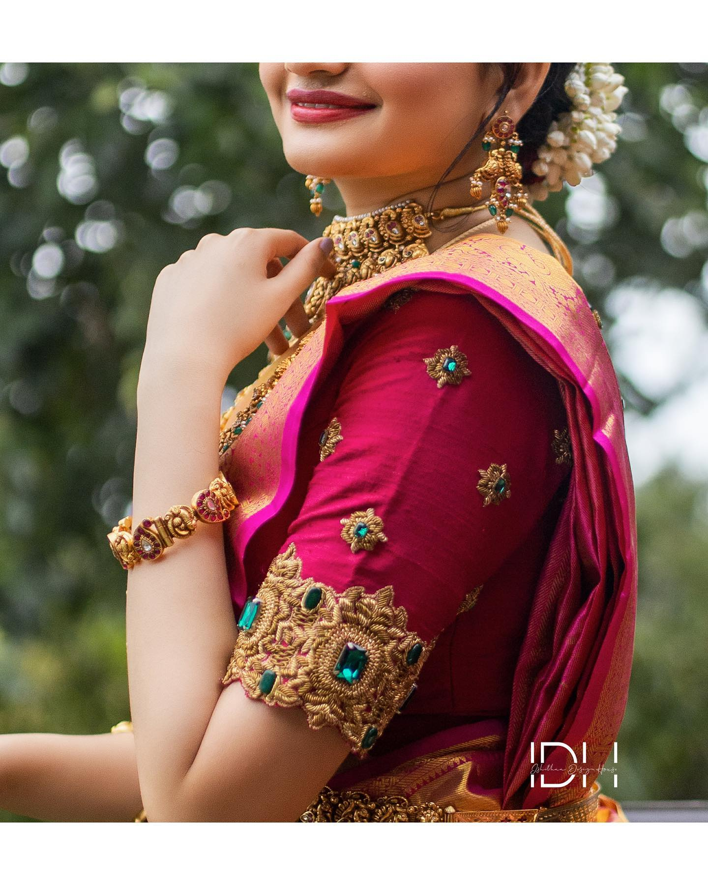 Stunning kanchi pattu matching bridal blouse with hand embroidery gold thread and emerald stone maggam work.  Stunning muse : Vaishaali Vijay. Blouse : Ishithaa design house . Saree : Aaryanair designs . Muah : Makeup Artistry by kavitha sekar . Jewellery: Theamethyst store . Photography: Nura photography.  . . Ping on 9884179863 to book an appointment.. 2021-08-01