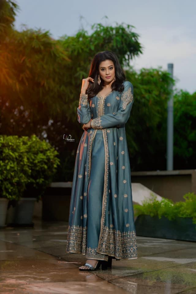 Beautiful actress Priyamani for Narrapa success meet.  2021-08-02