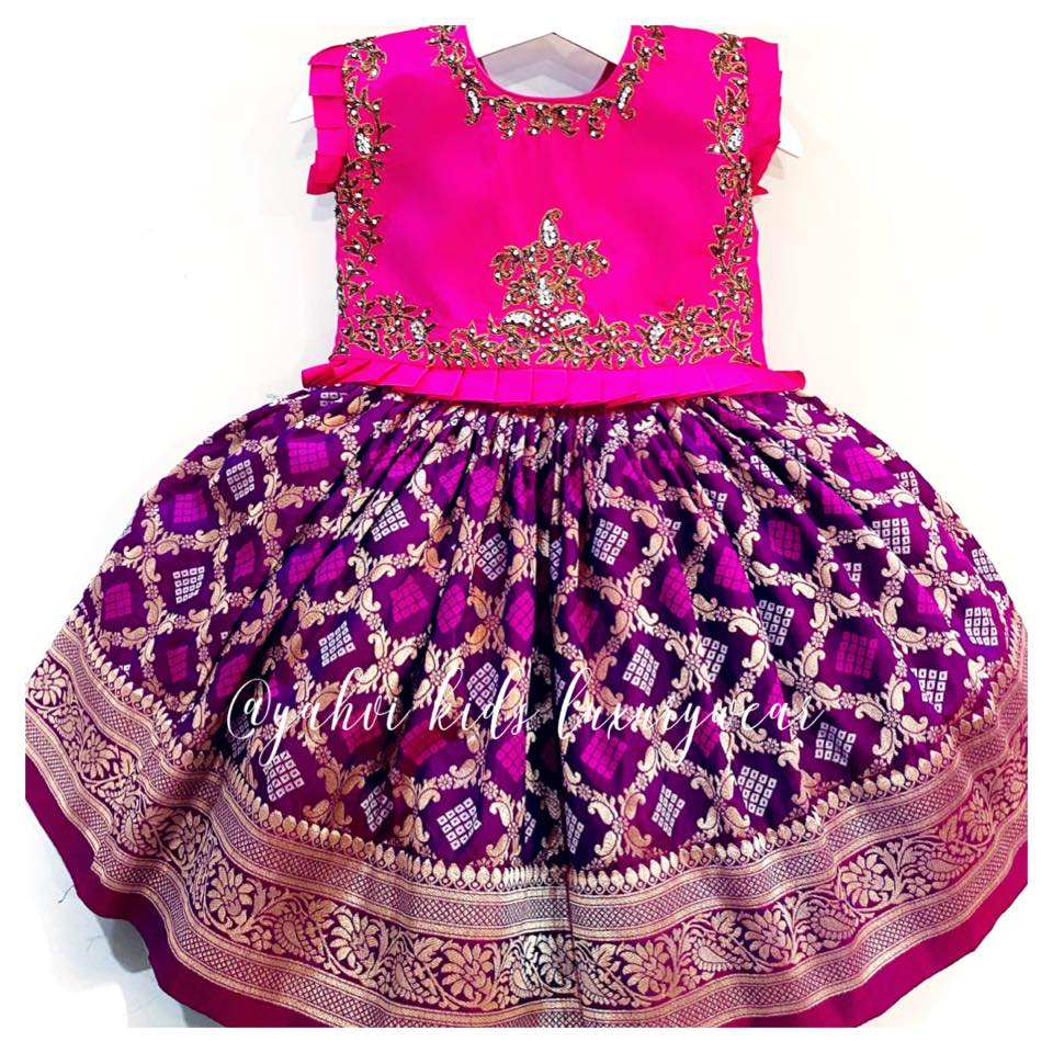 High quality Banarasi  silk kids lehanga choli set in classic colour combination for all special occasions . For orders : DM or whatsapp 7893037777( messages only  no calls plz )  2021-08-06