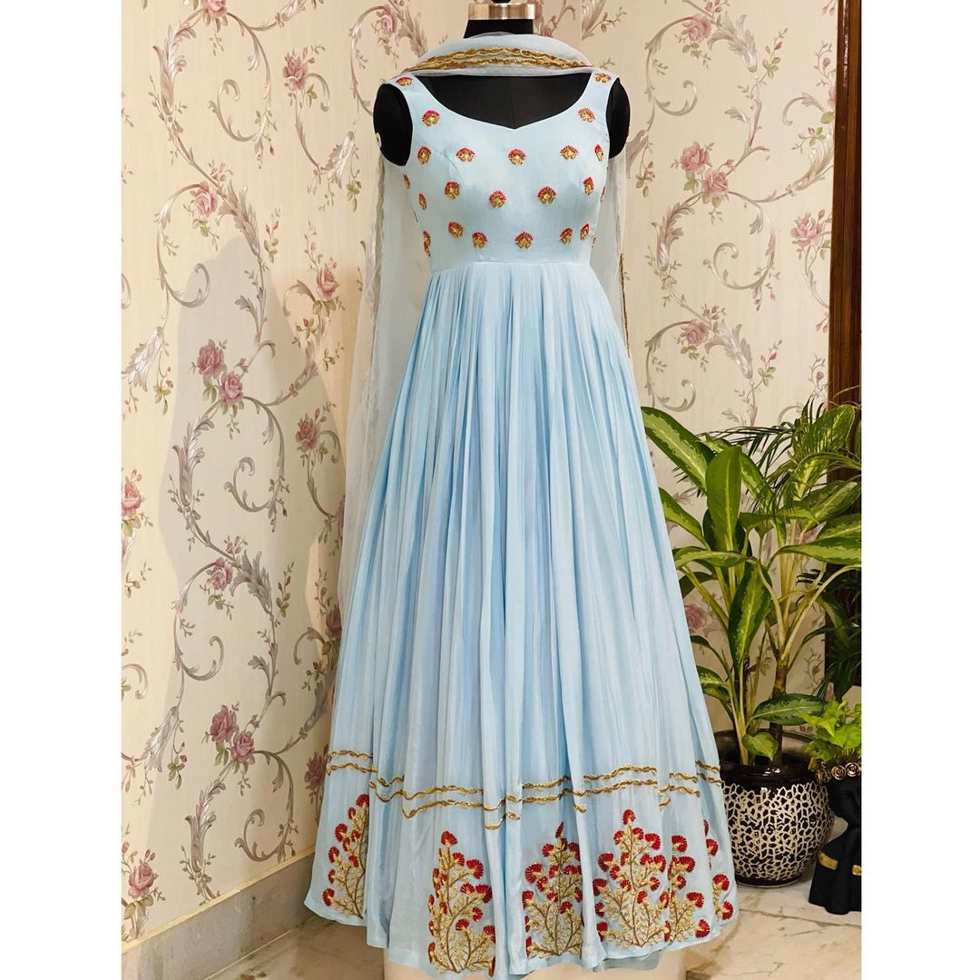 Powder blue in-cut sleeveless gown will well fit in your Wardrobe for your wedding season ! Can we Sangeeth or Haldai or cocktail party! 2021-08-06