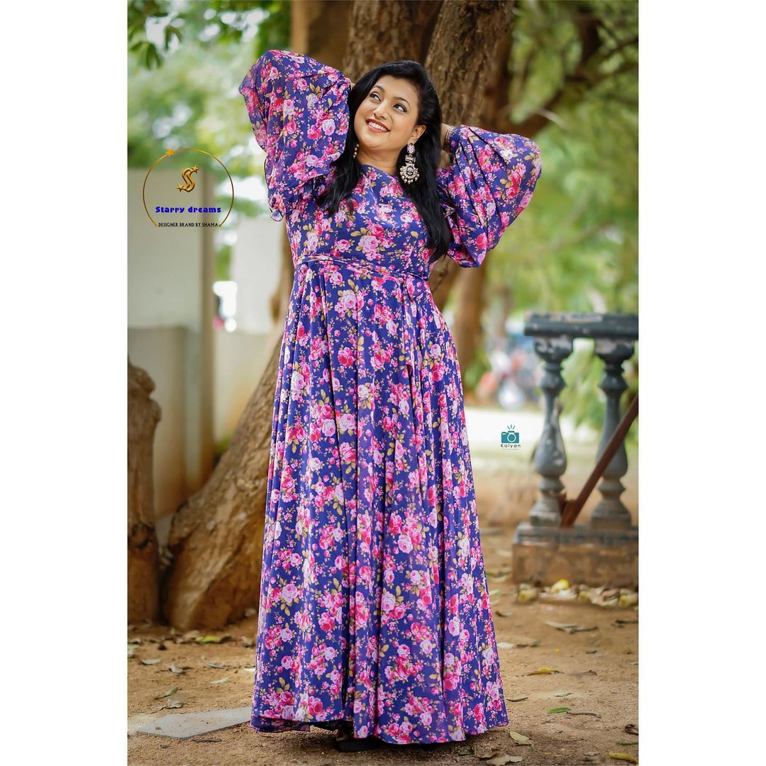 Beautiful Roja Selvamani in floral long frock for jabardasth. Outfit : Sstarry dreams official. Pc : Kalyan photography. 2021-08-07
