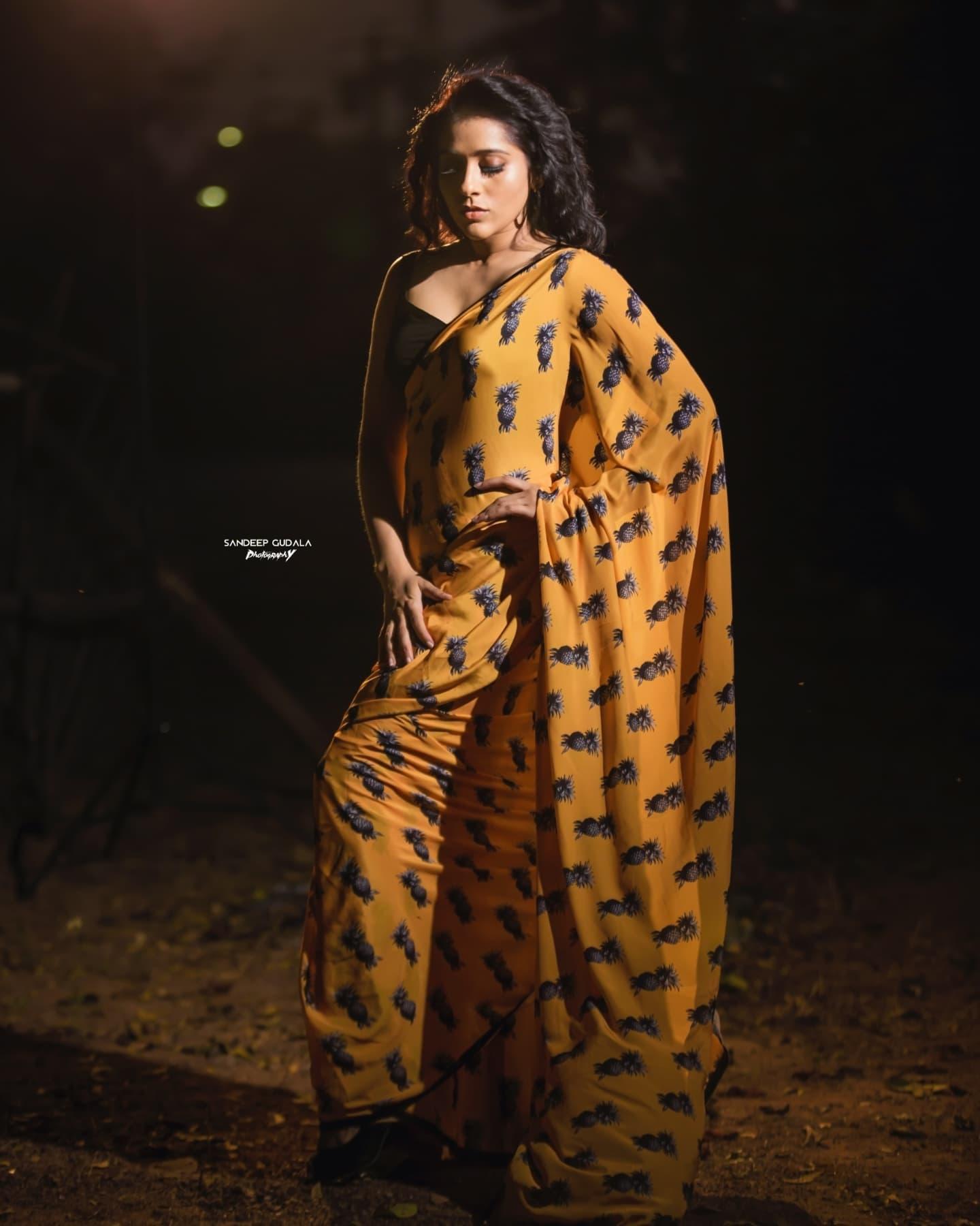 Beautiful actress Rashmi Gautham in Pineapple digital print yellow saree. 2021-08-10
