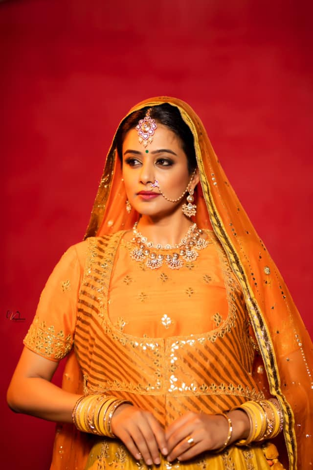Beautiful actress Priyamani in yellow and orange color combination floor length anarkali for Dhee kings vs queens. 2021-08-11