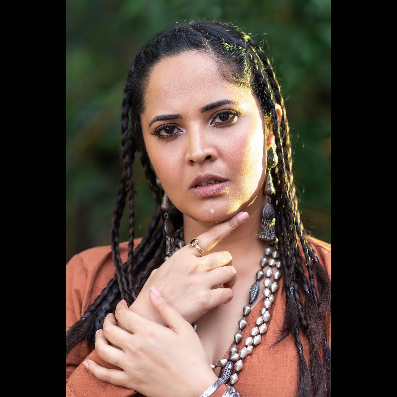 Beautiful actress Anasuya Bardwaj in rustic asymmetric dress.  2021-08-13