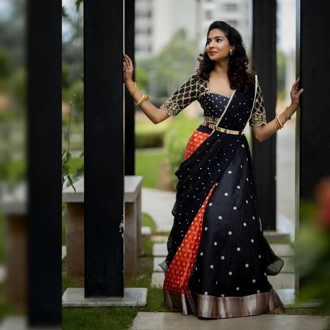 Beautiful model Tejaswini in black pattu lehenga and blouse with dupatta.  2021-08-16