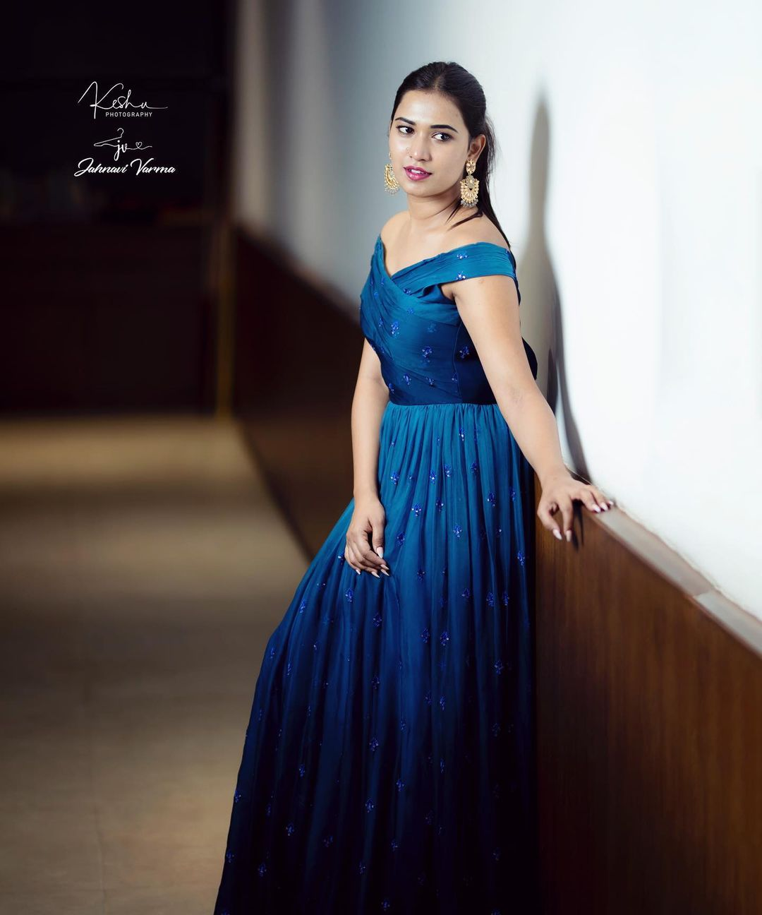 Imperial Gleam .  Yet another classy and stylish navy blue ombre georgette gown from collection of statement gowns.  Grab this gown that looks appealing to pull off to any event. Colour and design customisations available   For price details or To place your orders Call / WhatsApp on 9160210569. 2021-08-18