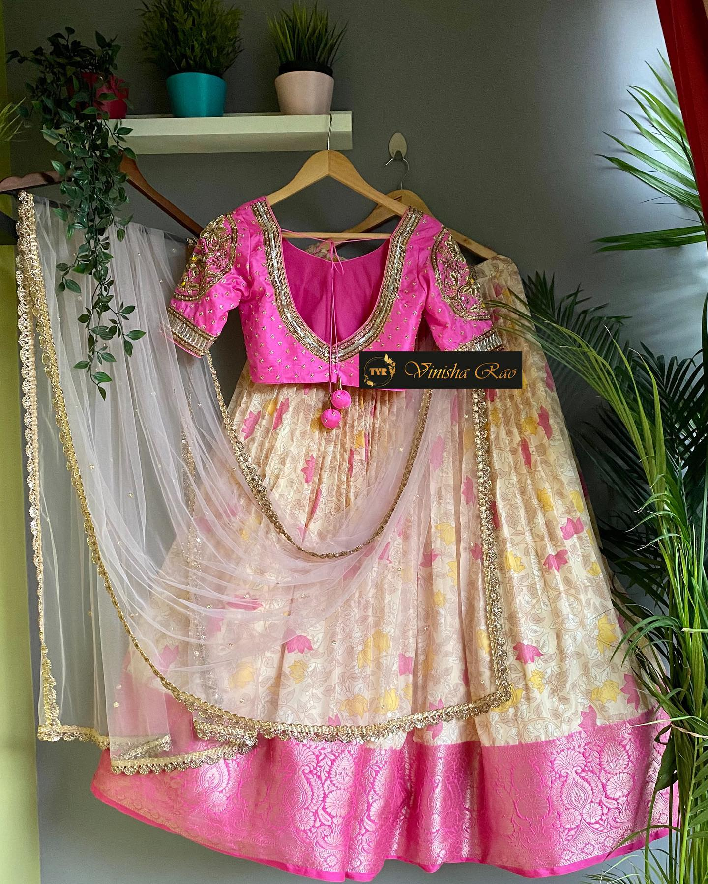 """""""Bridal Lehenga"""" - pastel pink kalamkari lehenga with kanjeevaram pattu border teamed with heavy hand embroiderd pink blouse and lavender dupatta from the house of Vinisha rao designer studio !! Suitable for all kind of occasions !! .. . You can call us to order on  9704994151. . Email - shopvinisharao@gmail.com 2021-08-19"""