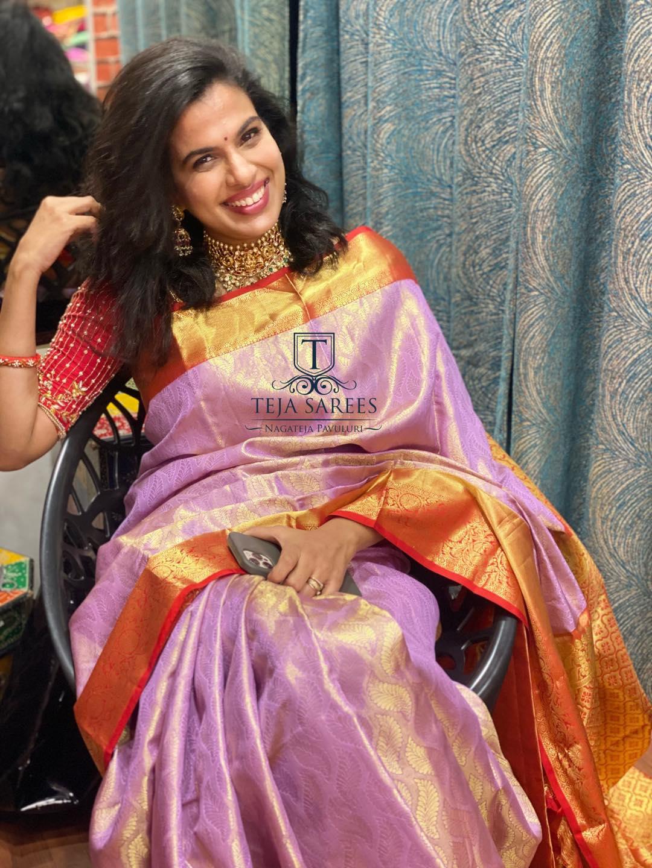 Beautiful singer Sravan bhargavi in kanchi pattu saree. 2021-08-25