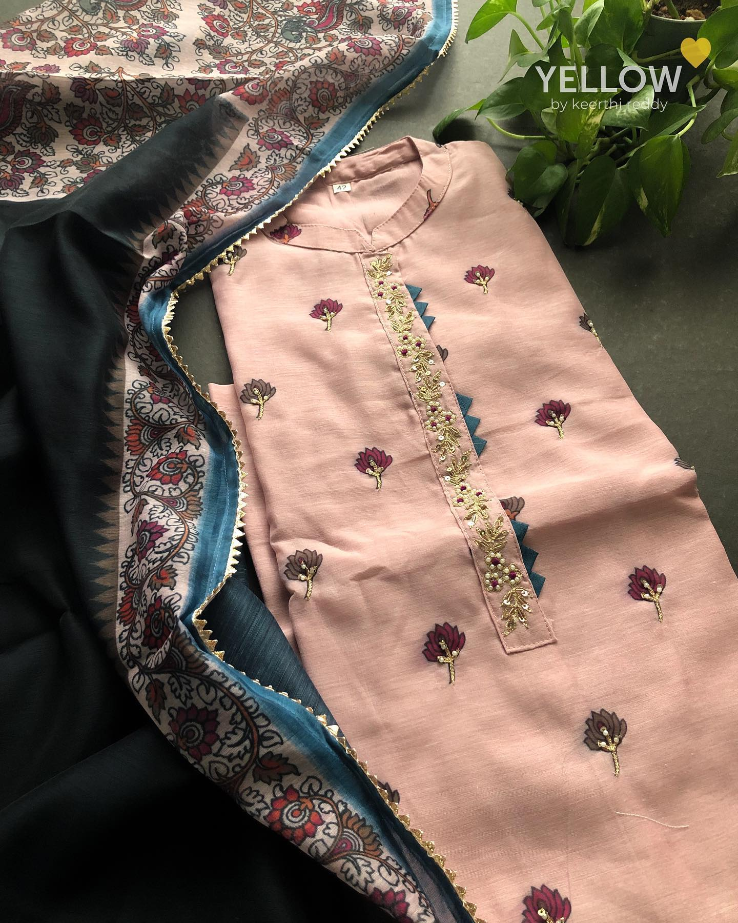 Pastel pink Chanderi kurti with floral motifs paired up with kalamkari chanderi dupatta . Size - L XL XXL Price - 3199 INR . . Kindly WhatsApp  @ 7995038888 for placing orders. 2021-08-28