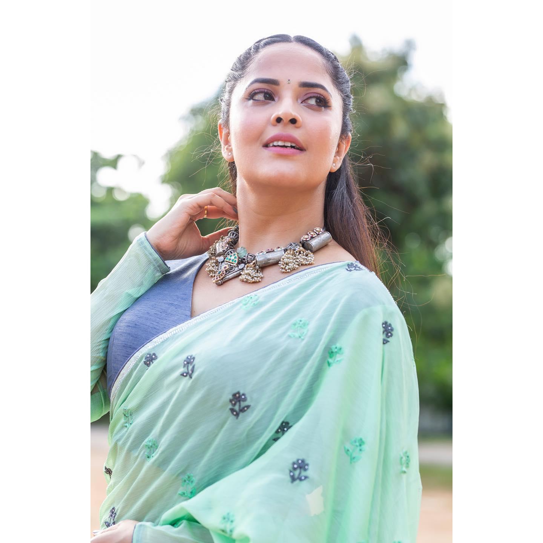 Beautiful actress Anasuya in sea green color saree for jabardasth. 2021-09-03