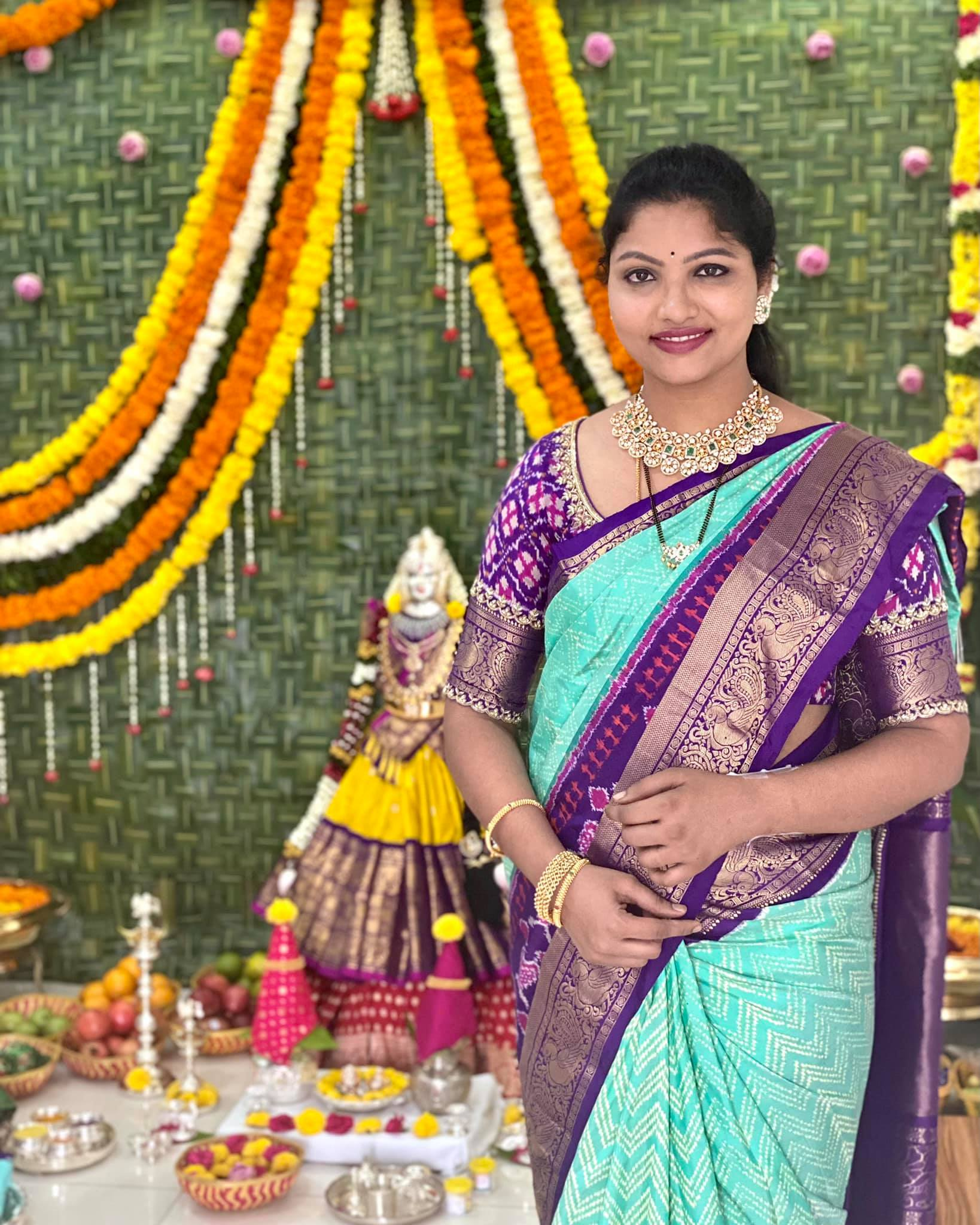 Beautiful designer Teja pavuluri in kacnhi pattu saree. 2021-09-04