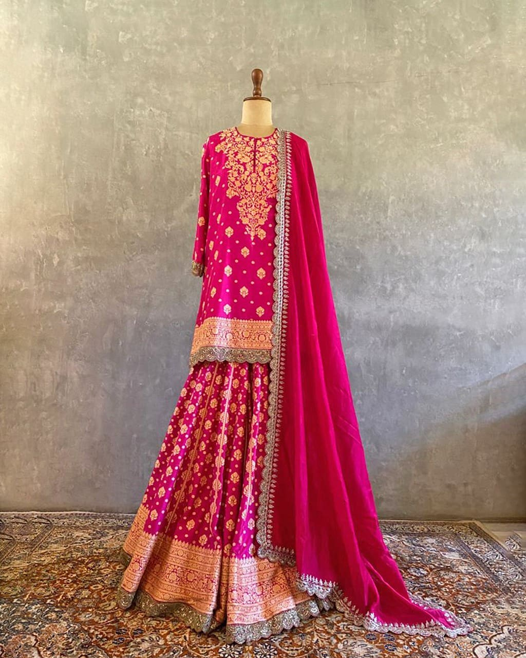With Benares Edit we hope to capture a slice of the distinct and timeless character of a special city and bring that to designs meant for your special day! 2021-09-04