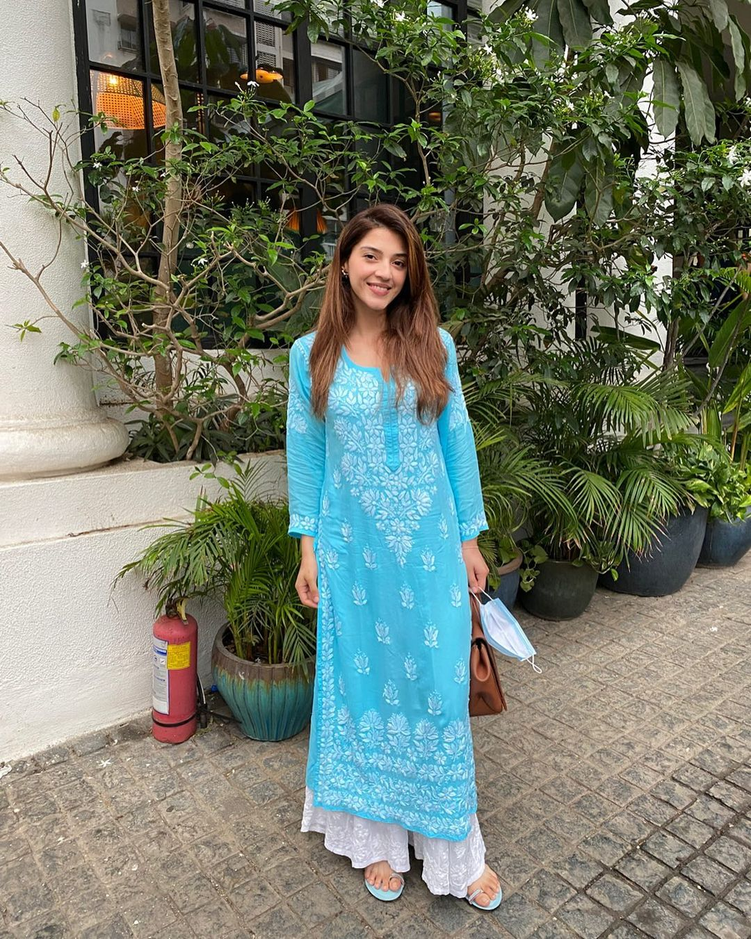 Stunning actress Mehreen in embroidery long kurti and palazzo.   2021-09-06