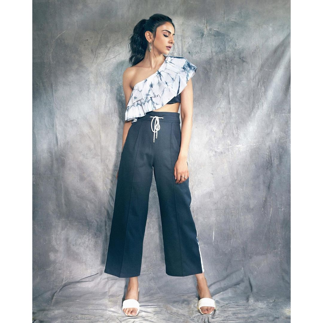 Beautiful actress Rakul Preet Singh in ruffle one shoulder top and bottom.  In love with dresses and tresses  Wearing Saltz n sand.  Jewellery : Fashka. Footwear  : Lynindia. 2021-09-07
