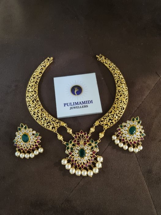 Beautiful 22k gold kanti necklace with pendant and matching earrings. 2021-09-14