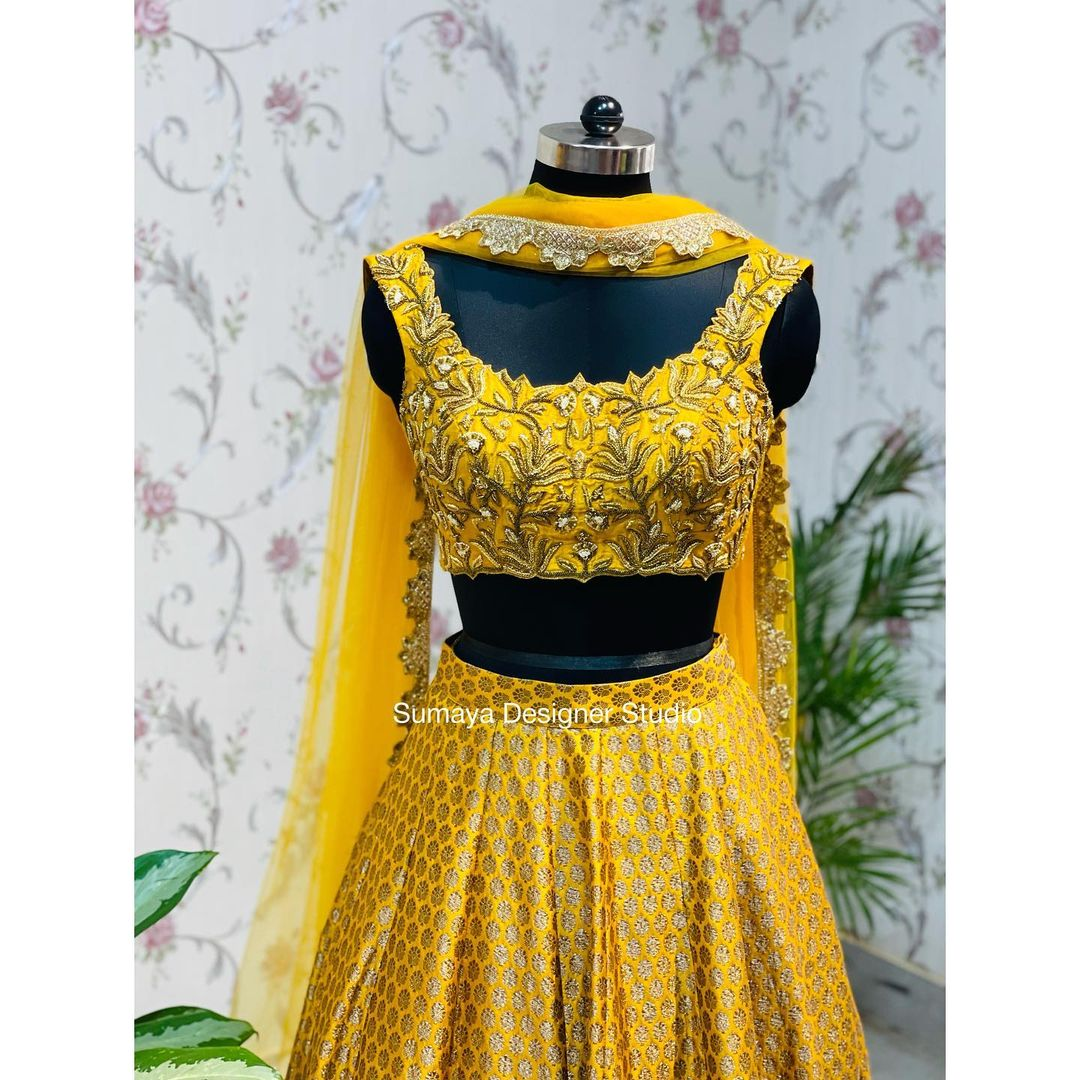 Mustard Desinger wear will well fit in your Wardrobe for your wedding season ! Can be Sangeeth or Haldai or cocktail party!  it can be customised in any colours for more details please contact on 9986455888! 2021-09-14