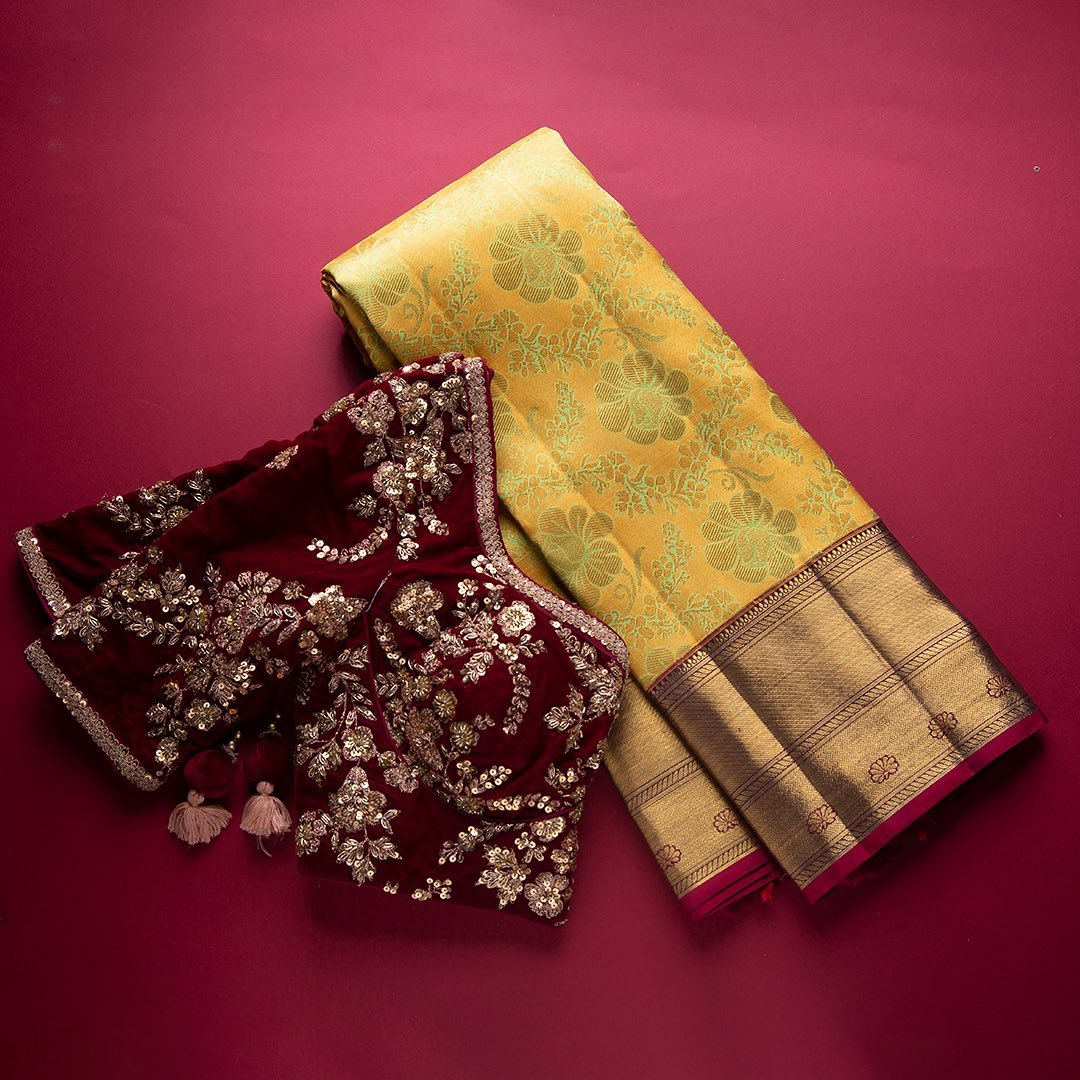 The Kanchipuram city with a 1000-year-old history beholds its traditions and artistry gracefully in the weave of its every silk saree. Every Kanchipuram silk saree are one of its kind and this piece here is sure to charm your individuality with uniqueness and beauty.  - Worldwide Free Shipping Contact : 00919845922959. Email: Esales@samyakk.com Product Code: SE3600. 2021-09-15