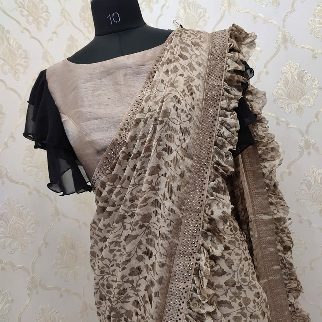 Beautiful designer pure chiffon sarees with pretty blouse ..Collection no:082HV For price details inbox on +917799503713. 2021-09-19